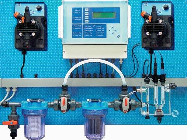 Преимущества использования автоматических станций дозации химии для бассейнов